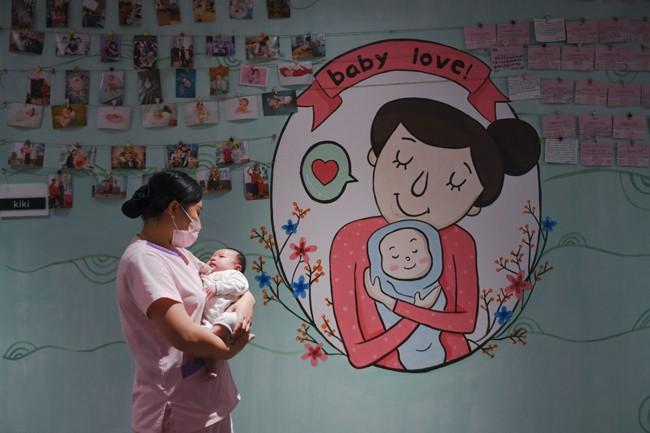 Dân số Trung Quốc đạt đỉnh trong năm 2023 - Ảnh 1.