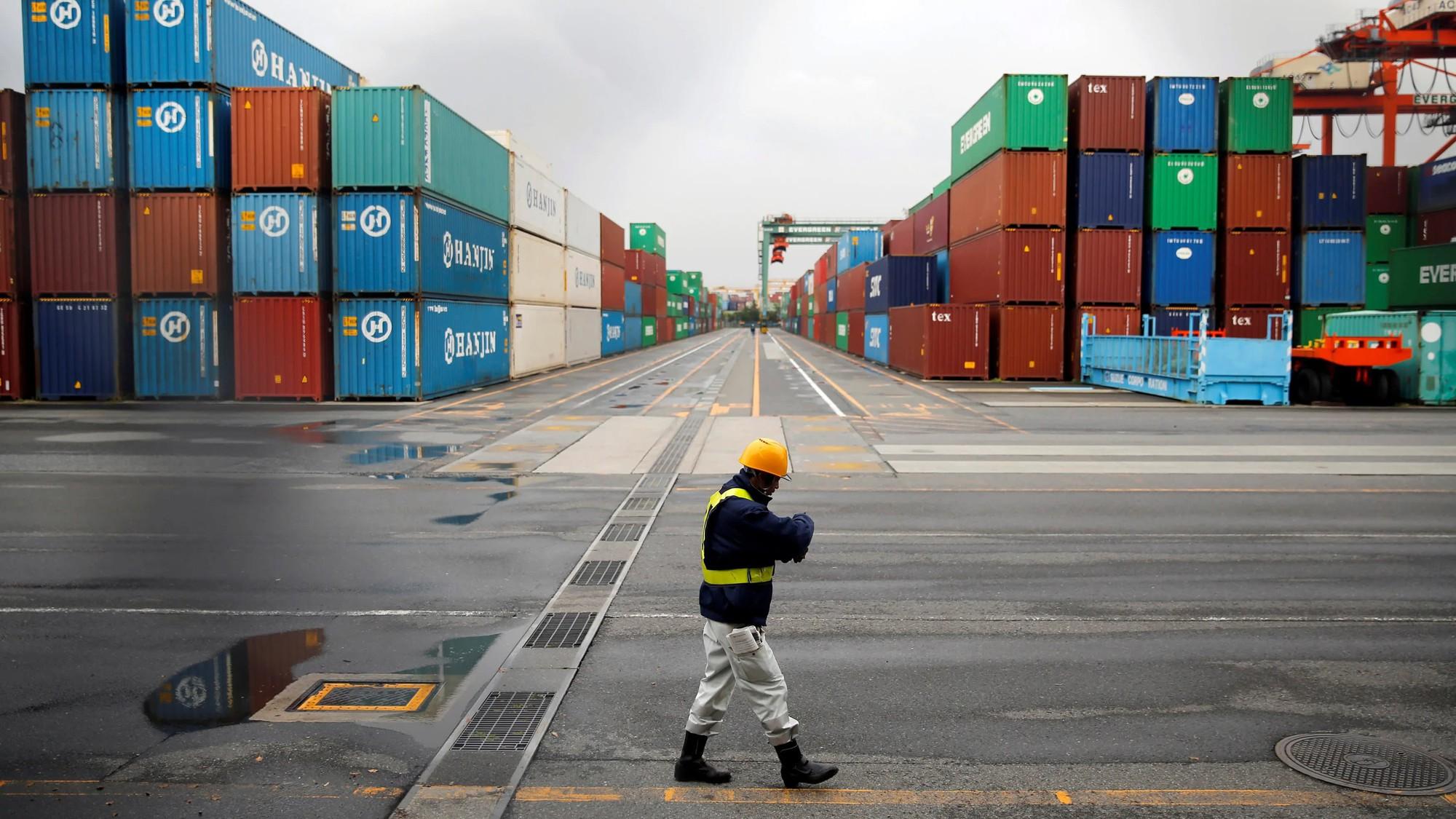 GDP của Nhật Bản bất ngờ tăng trưởng 2,1% trong quí I - Ảnh 1.