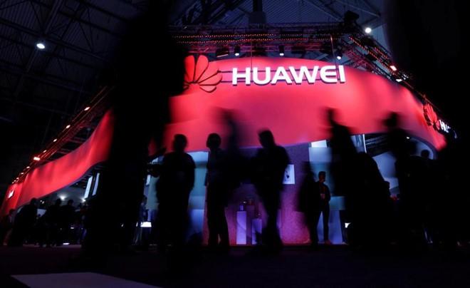 Google vừa chia tay Huawei, có thể ngừng cung cấp Android mới - Ảnh 1.