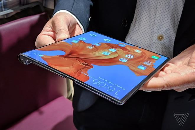 Google vừa chia tay Huawei, có thể ngừng cung cấp Android mới - Ảnh 2.