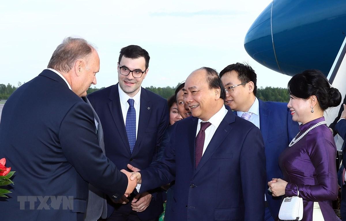 Thủ tướng tới Saint Petersburg bắt đầu thăm chính thức Liên bang Nga - Ảnh 1.