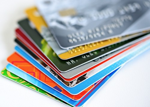 Gấp rút chip hóa thẻ ATM nội địa - Ảnh 1.