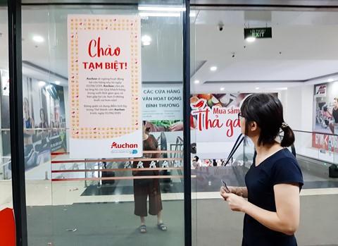 Chen lấn vét hàng giảm giá 50% trước ngày Auchan đóng cửa - Ảnh 5.