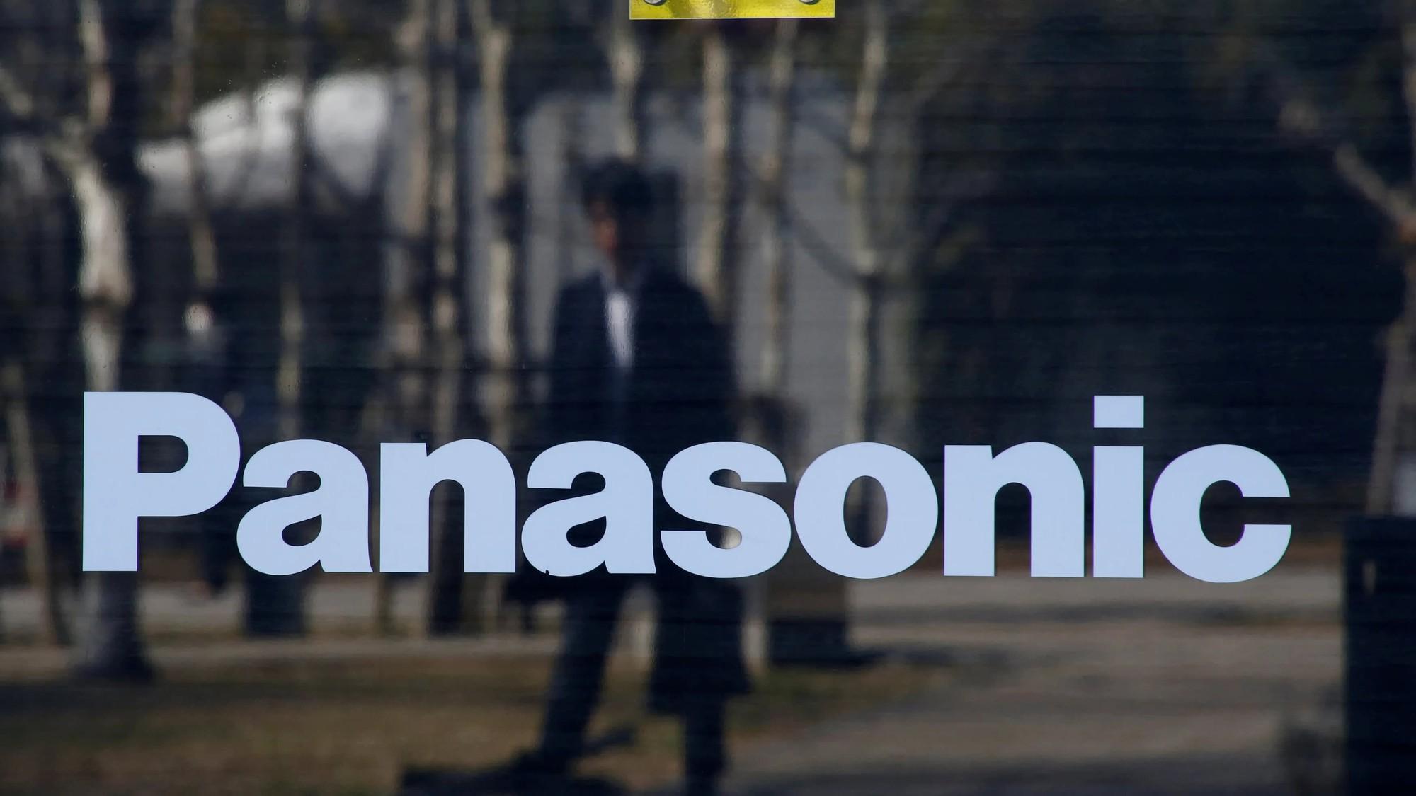 Đến lượt Panasonic hạn chế cung cấp linh kiện cho Huawei - Ảnh 1.