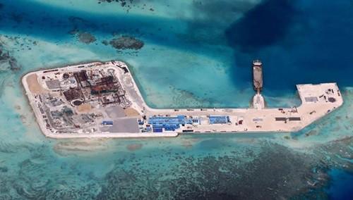 Mỹ xem xét trừng phạt hành động phi pháp của Trung Quốc ở Biển Đông - Ảnh 1.
