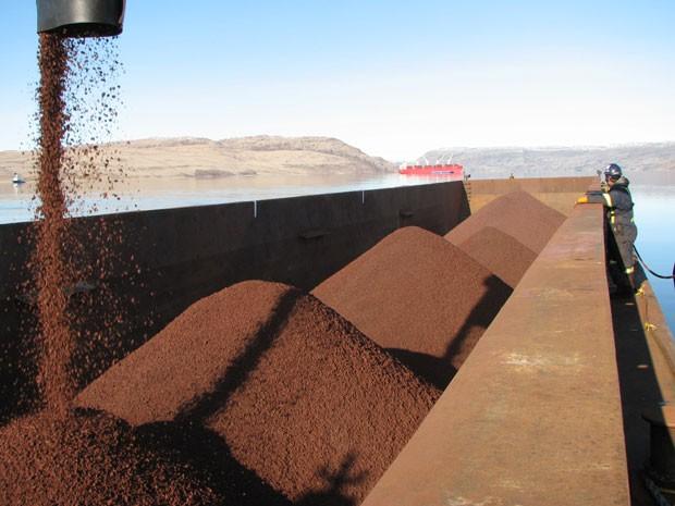 Giá thép xây dựng hôm nay (24/5): Giá quặng sắt chạm ngưỡng 100 USD/tấn - Ảnh 1.