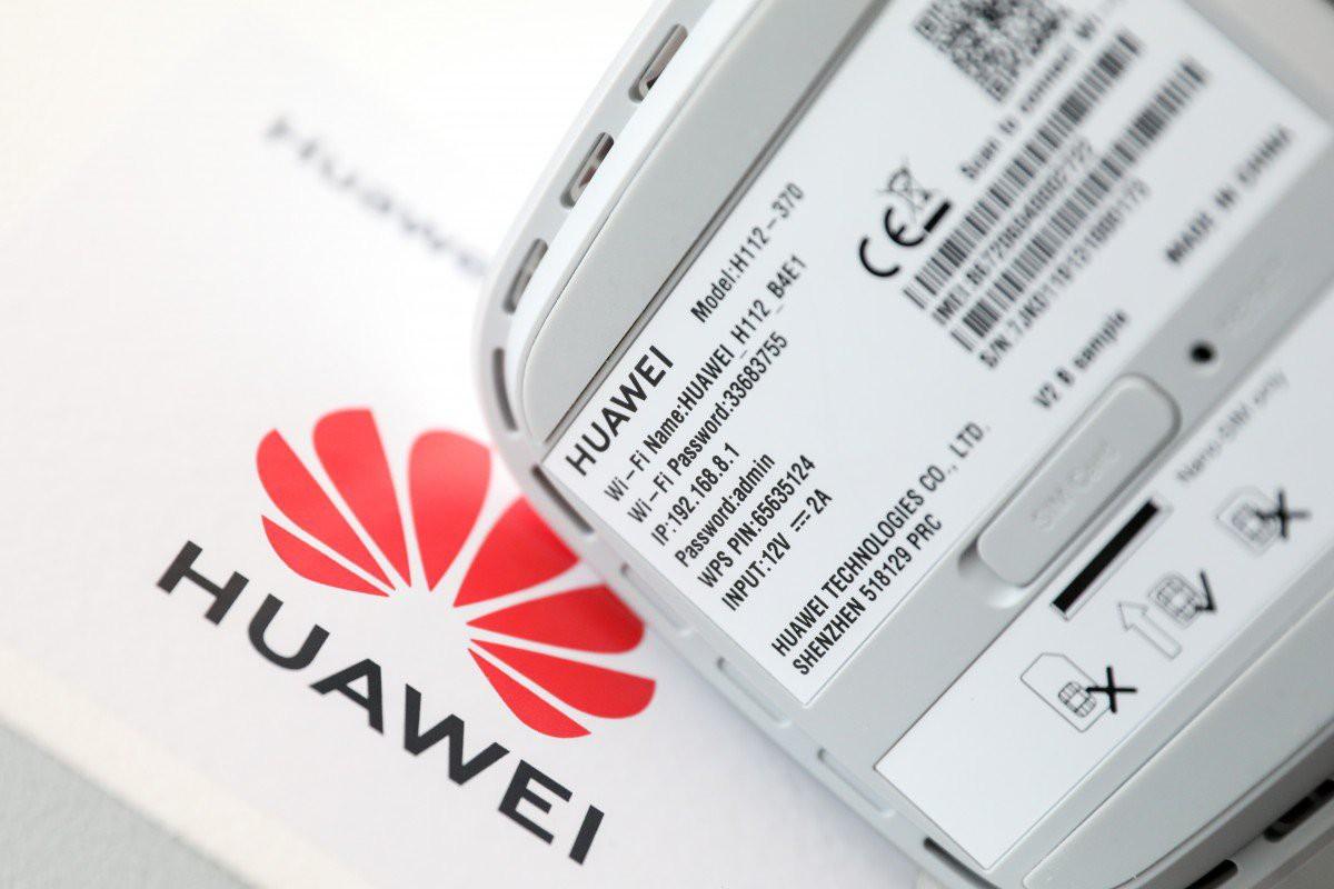 Huawei cảm ơn Panasonic vì vẫn giữ quan hệ làm ăn - Ảnh 1.