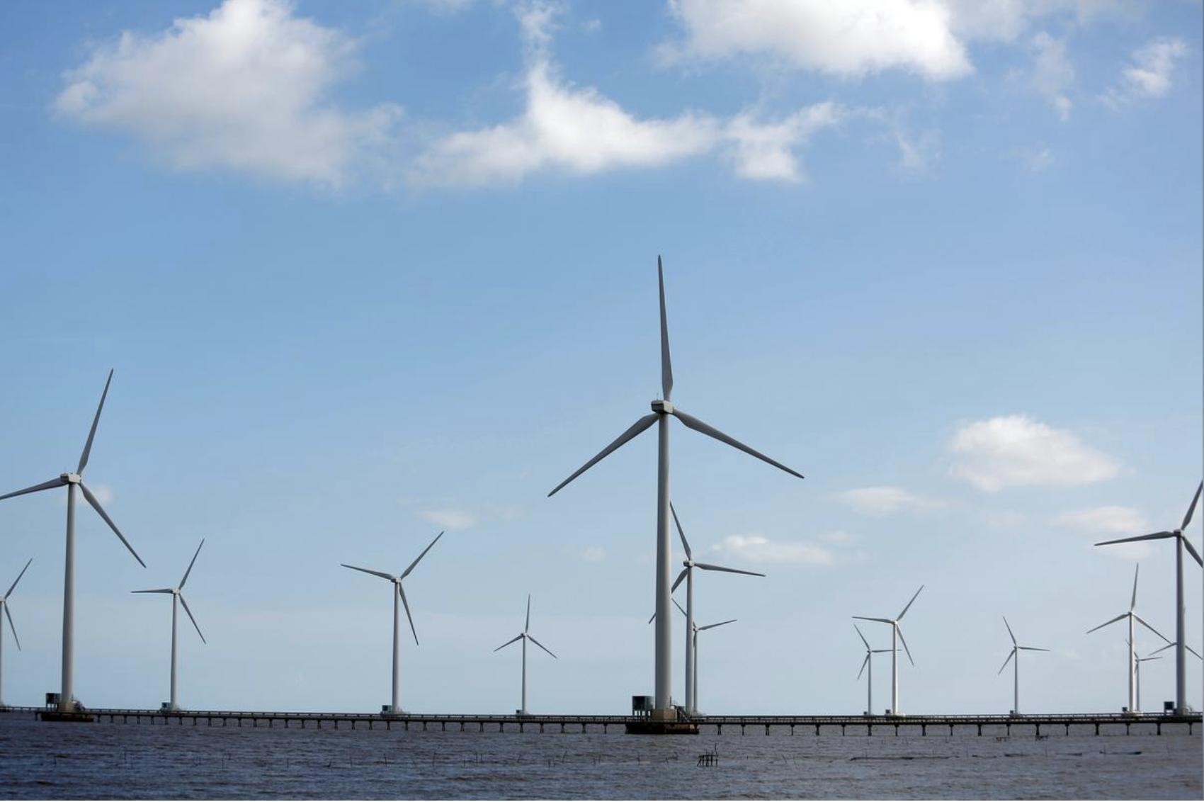 Năng lượng tái tạo có thể vượt qua than trở thành nguồn điện lớn nhất Việt Nam vào 2030 - Ảnh 1.