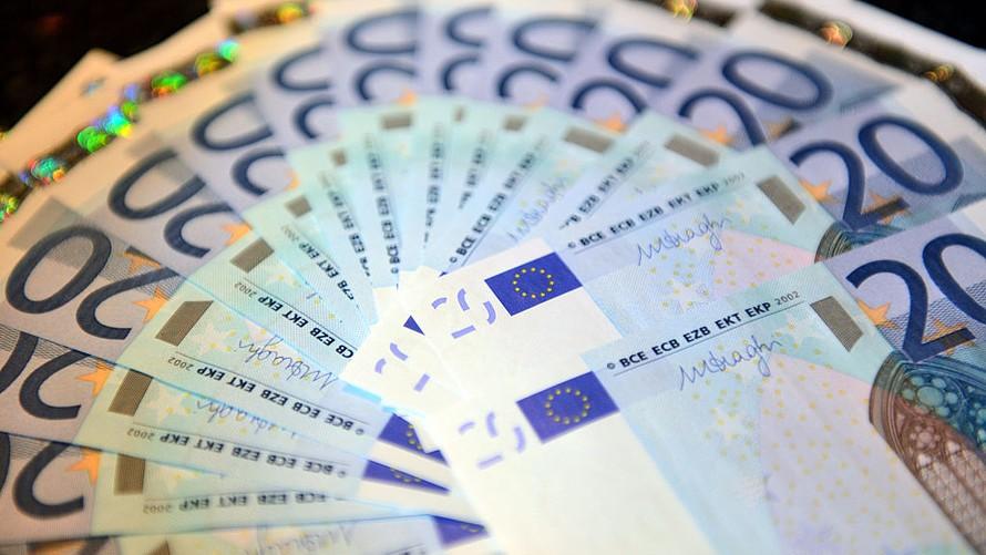 Tỷ giá Euro hôm nay (24/5): Euro trong nước bất ngờ tăng điểm, giá bán EUR chợ đen lên 26.170 VND - Ảnh 1.