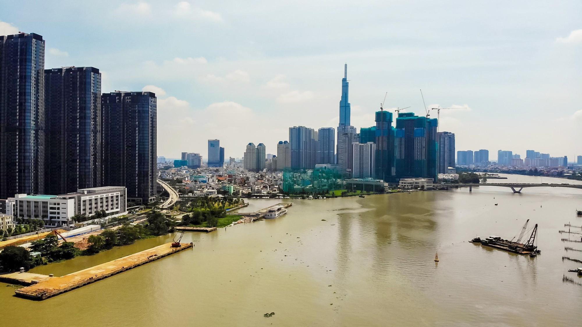 Nhà giá rẻ dần biến mất, căn hộ triệu USD ngày càng sinh sôi ở TP HCM - Ảnh 2.