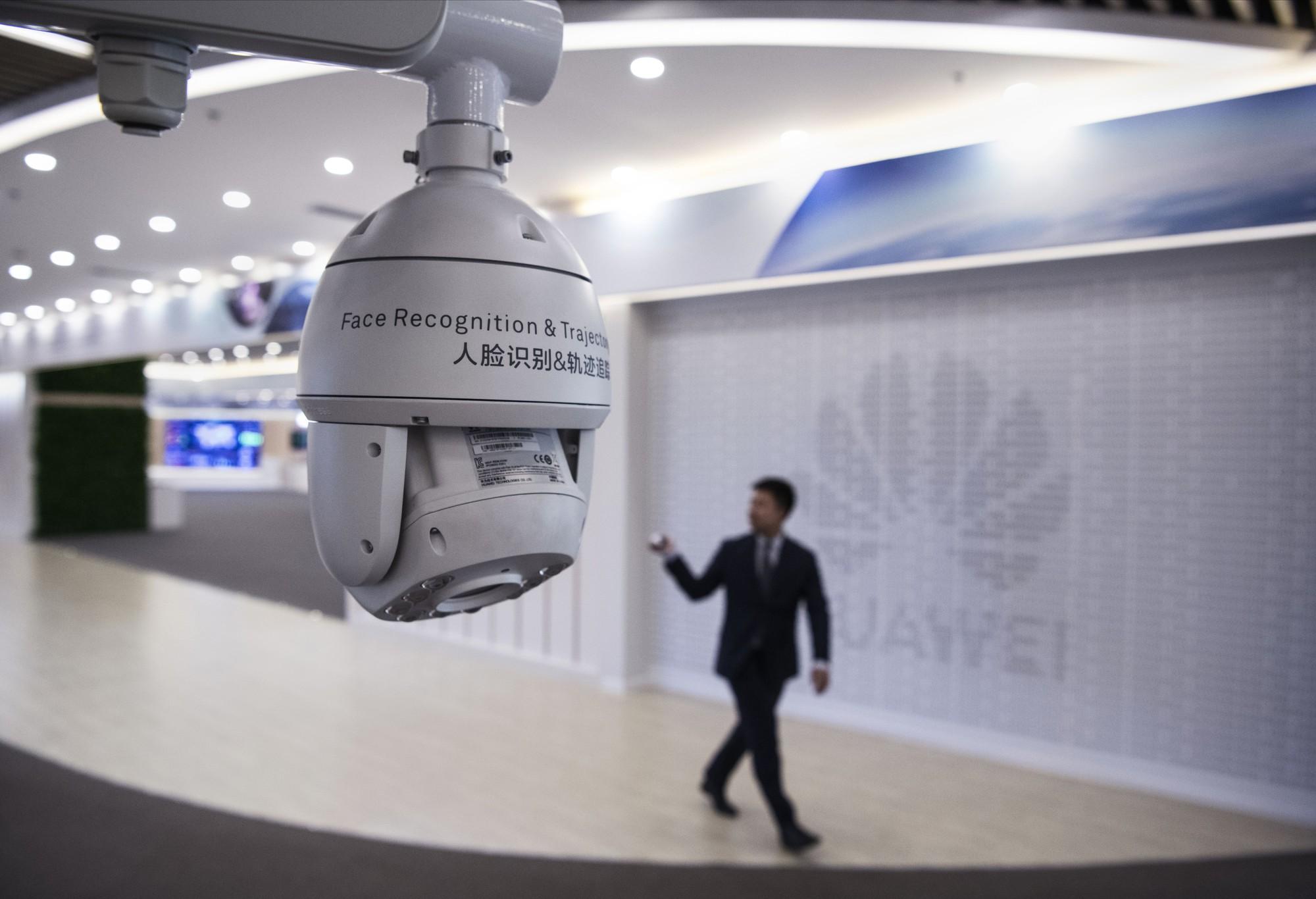 Đại bản doanh tỉ đô của Huawei: Gần 60.000 nhân viên không dùng tiền mặt, ngắm thiên nga đen và chụp ảnh sống ảo khi rảnh rỗi - Ảnh 20.