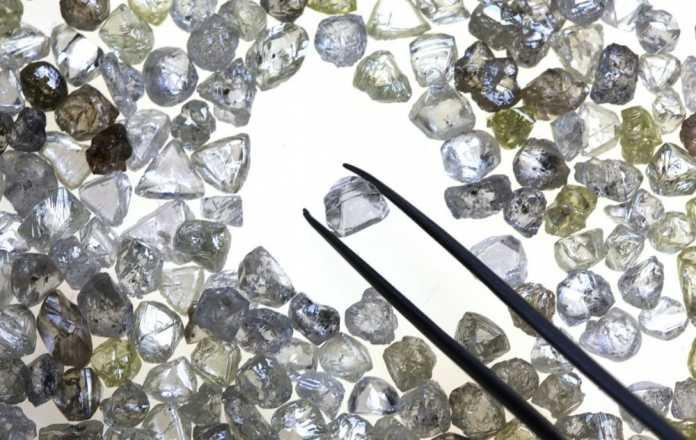 Kim cương đang mất dần sự lập lánh vốn có - Ảnh 1.
