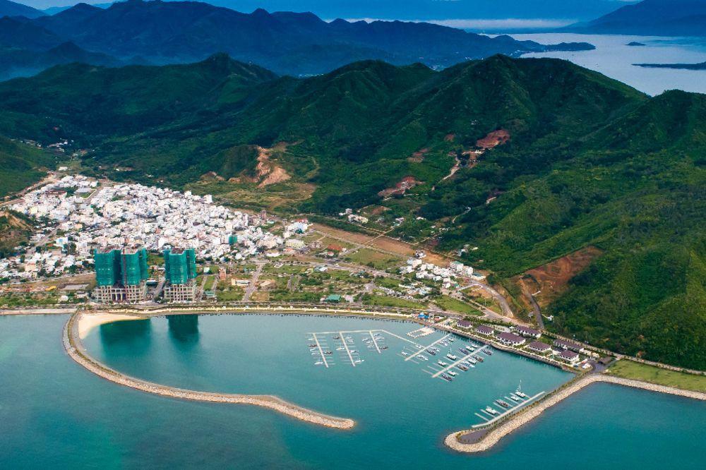 Việt Nam thúc đẩy xây dựng bến du thuyền cho giới siêu giàu - Ảnh 1.