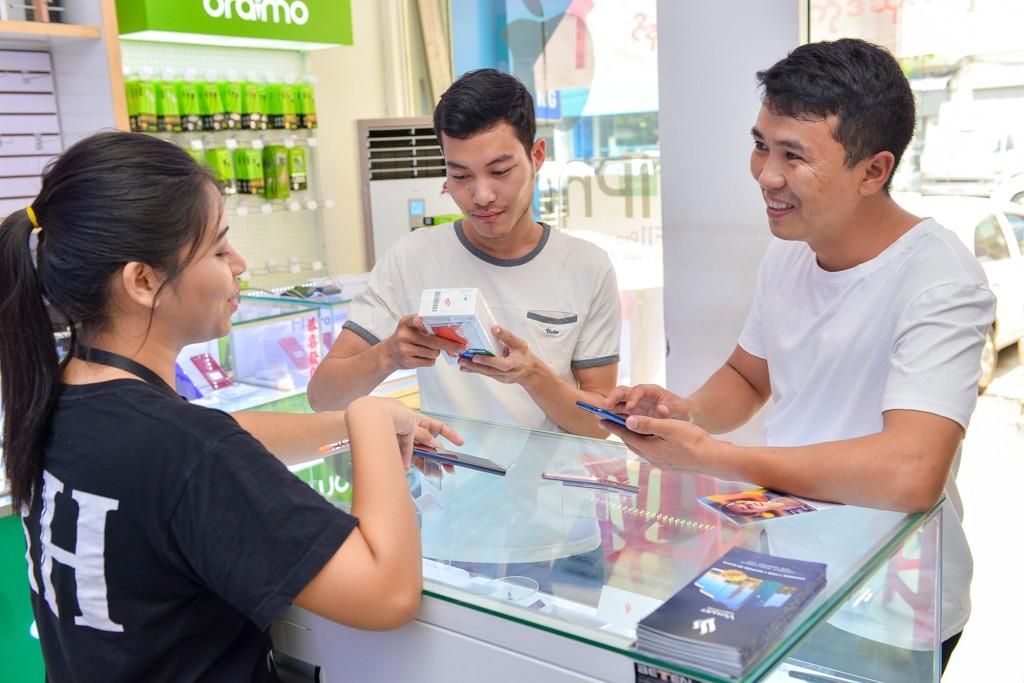 Vingroup bắt đầu bán điện thoại Vsmart tại Myanmar qua gần 1.500 cửa hàng - Ảnh 4.
