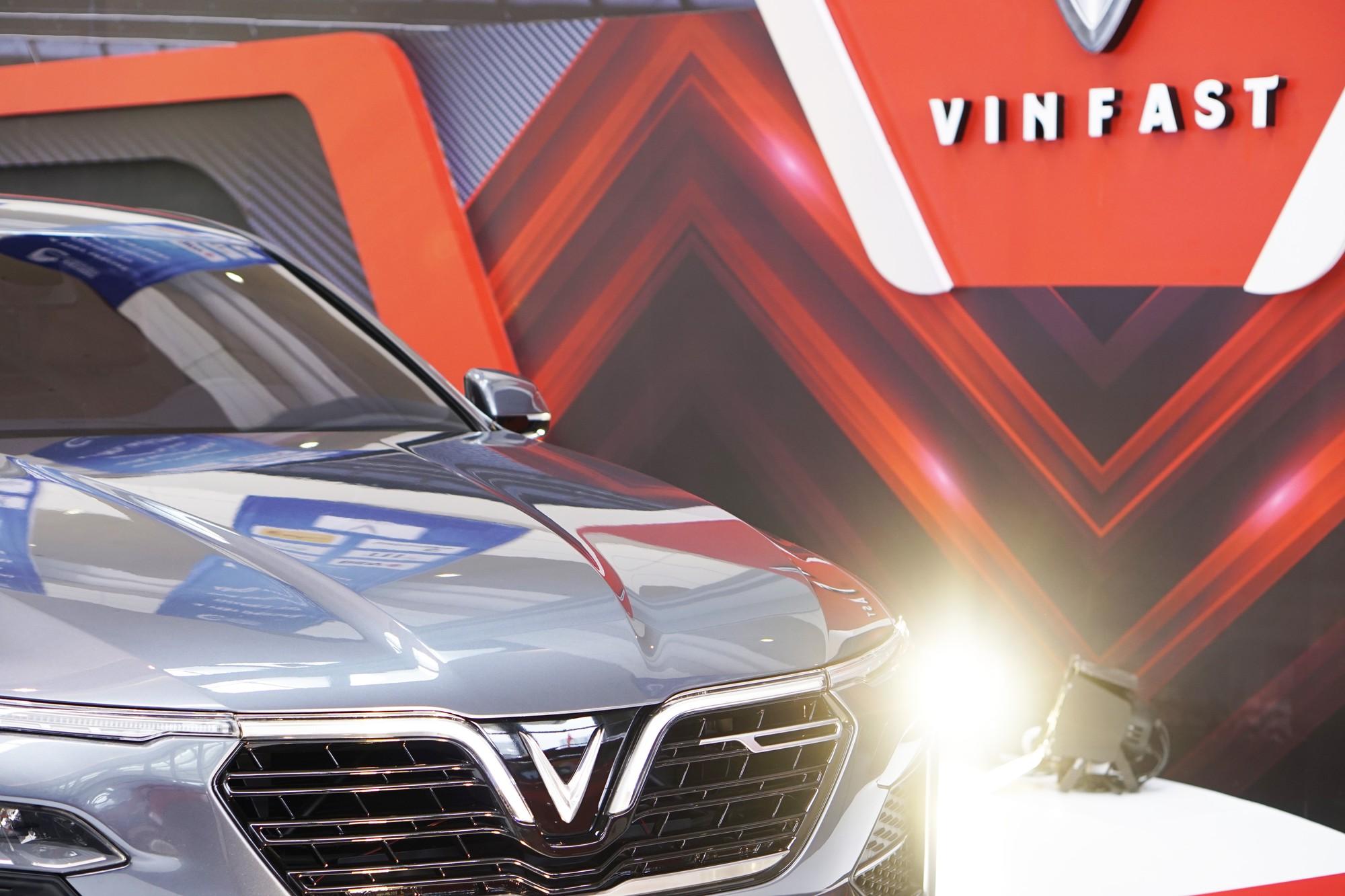 [Chùm ảnh] VinFast, Habeco, Vietcombank ... mang con cưng đến triển lãm thành tựu kinh tế tư nhân - Ảnh 3.