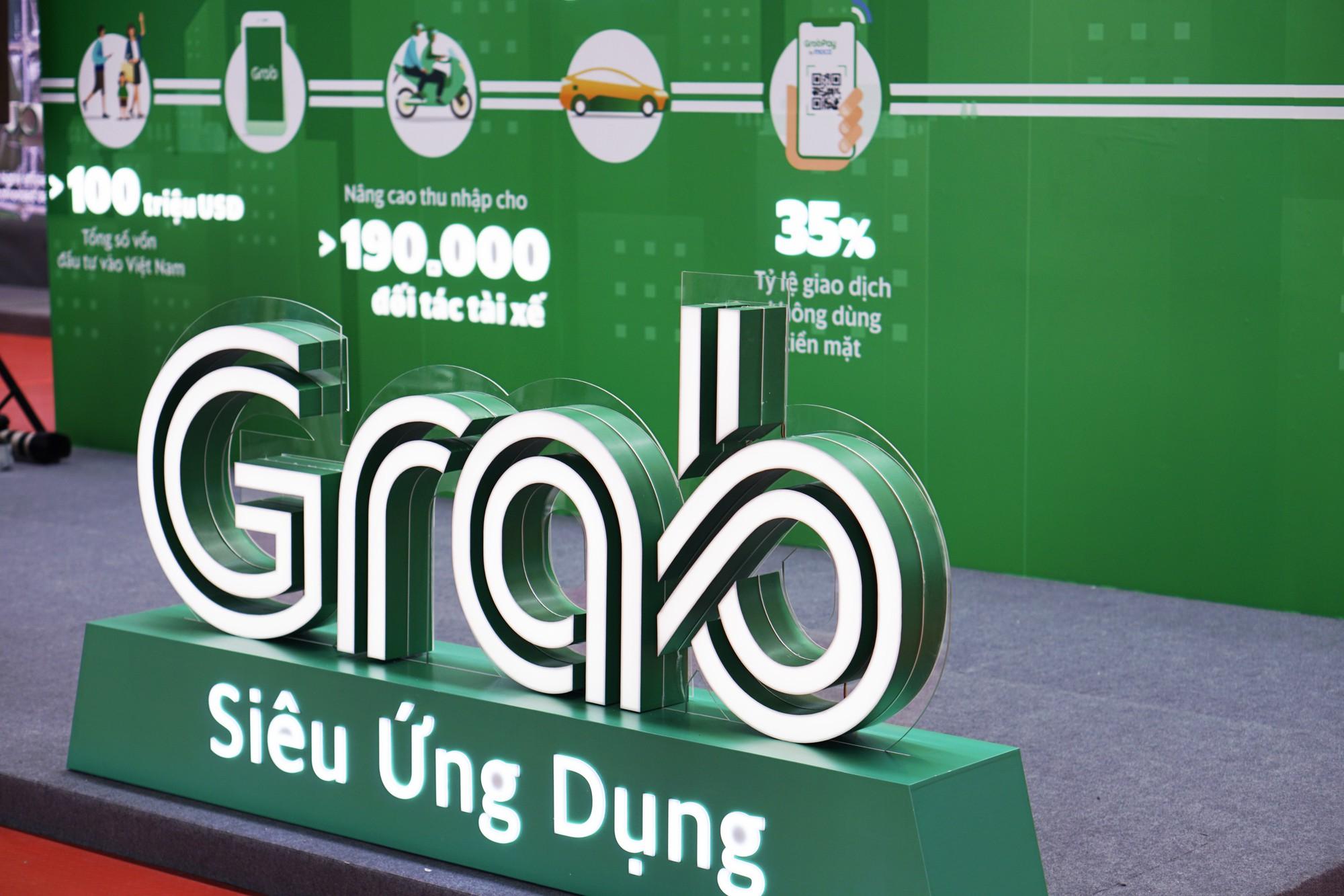 [Chùm ảnh] VinFast, Habeco, Vietcombank ... mang con cưng đến triển lãm thành tựu kinh tế tư nhân - Ảnh 7.