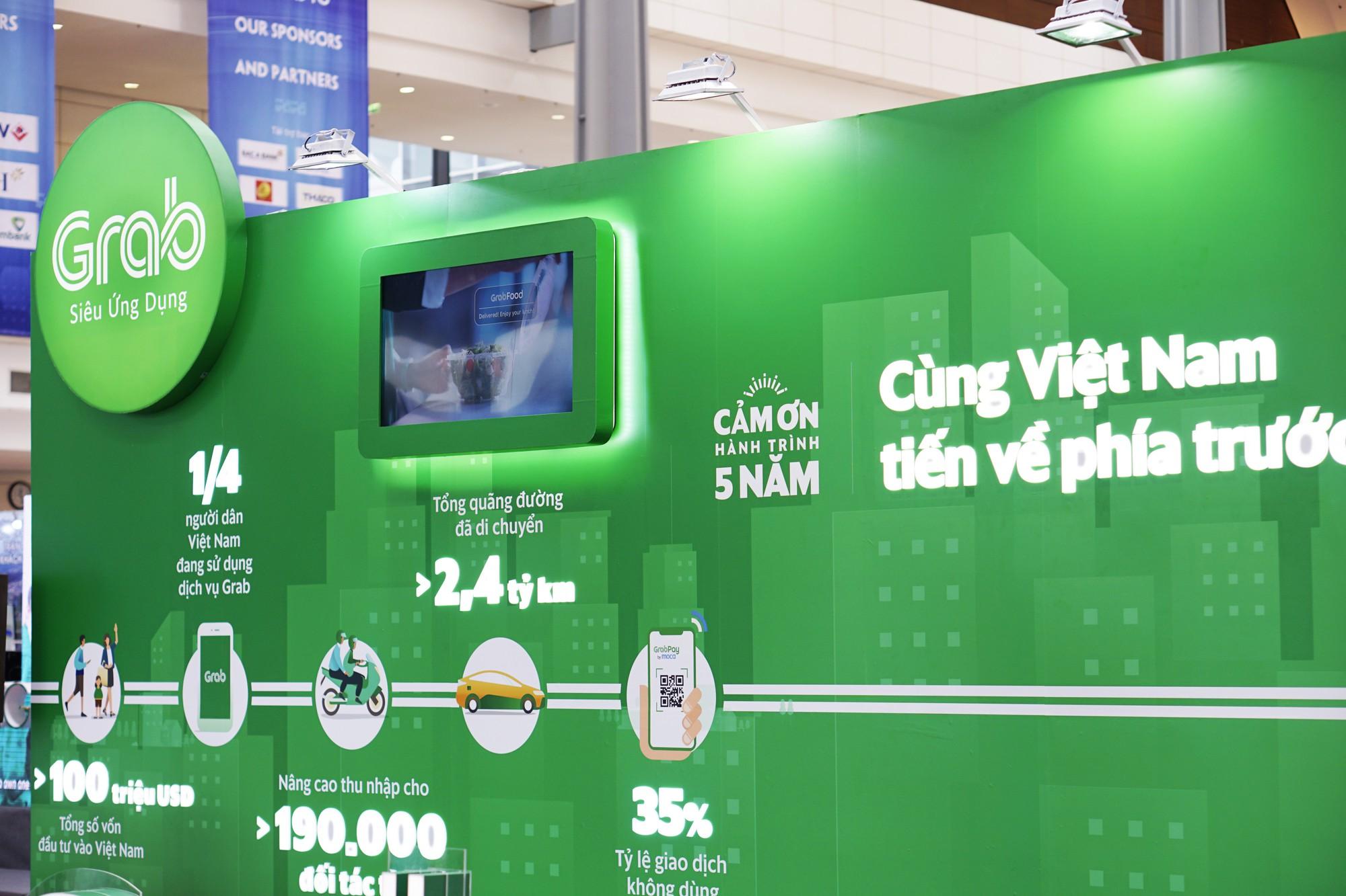 [Chùm ảnh] VinFast, Habeco, Vietcombank ... mang con cưng đến triển lãm thành tựu kinh tế tư nhân - Ảnh 8.