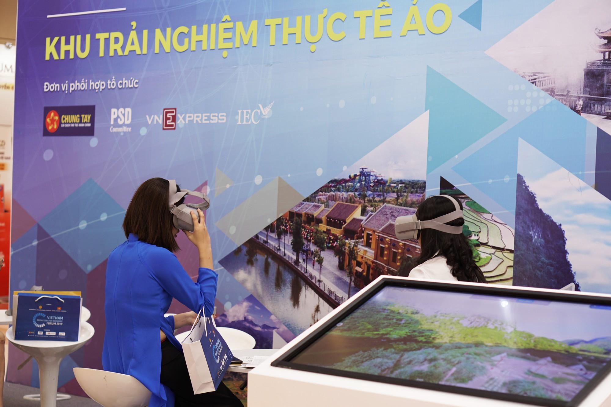 [Chùm ảnh] VinFast, Habeco, Vietcombank ... mang con cưng đến triển lãm thành tựu kinh tế tư nhân - Ảnh 11.