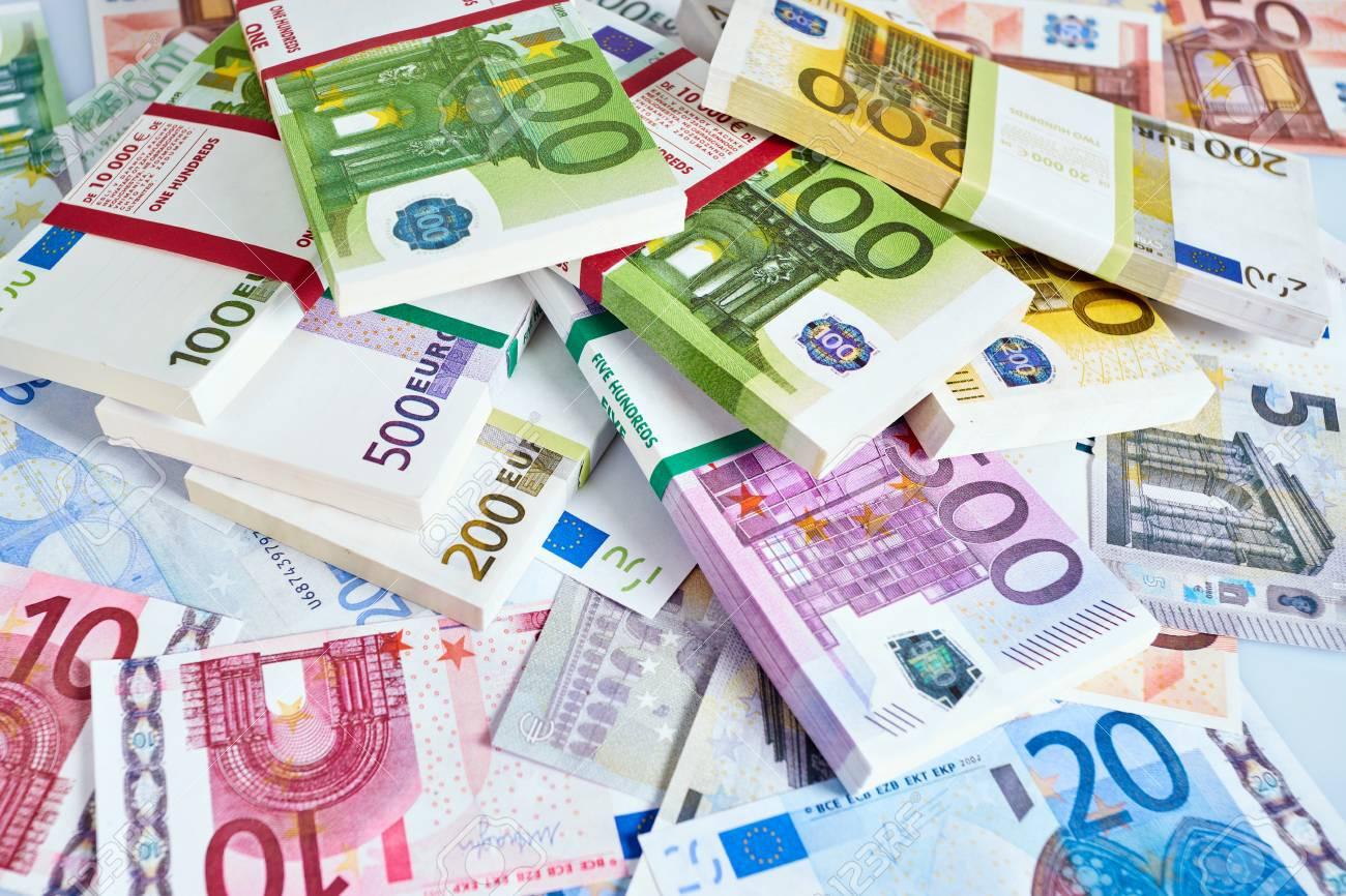 Tỷ giá Euro hôm nay (31/5) giảm nhẹ tại các ngân hàng - Ảnh 1.