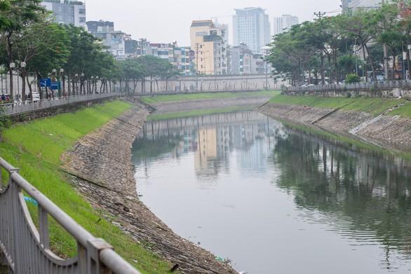 Thứ trưởng TN-MT: Giải pháp xử lý ô nhiễm sông Tô Lịch của chuyên gia Nhật chỉ là tạm thời - Ảnh 1.