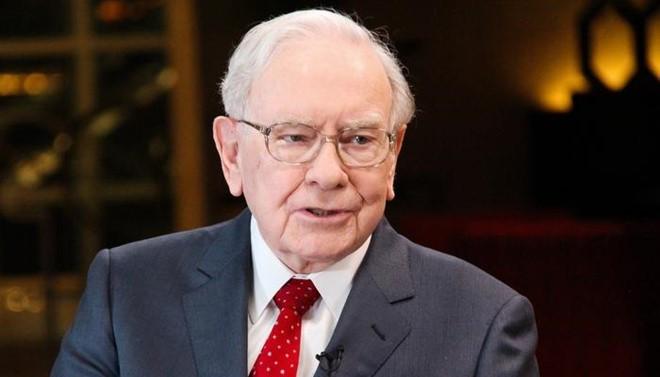 Warren Buffett: Tôi thật ngốc khi không mua cổ phiếu Amazon sớm - Ảnh 1.