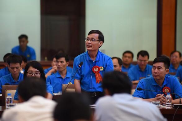 Thủ tướng Nguyễn Xuân Phúc: Không thể đi theo con đường lao động giá rẻ - Ảnh 2.
