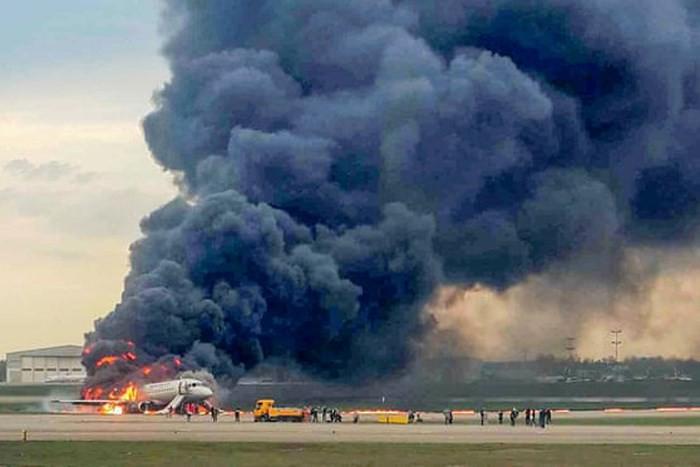 Tổng Bí thư gửi điện chia buồn tai nạn máy bay ở Nga - Ảnh 1.
