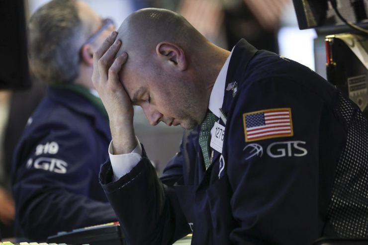 Dow Jones lại 'cắm đầu' hơn 420 điểm khi Mỹ quyết đánh thuế Trung Quốc bằng được - Ảnh 2.