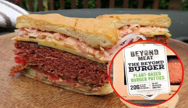 Các nhà sản xuất thịt thực vật chóng mặt vì nhu cầu lớn của người tiêu dùng - Ảnh 1.