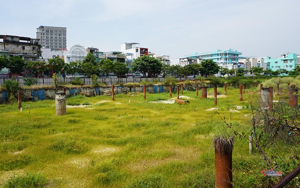Những 'đống tiền tỷ' bỏ hoang nhiều năm ở Đà Nẵng - Ảnh 11.