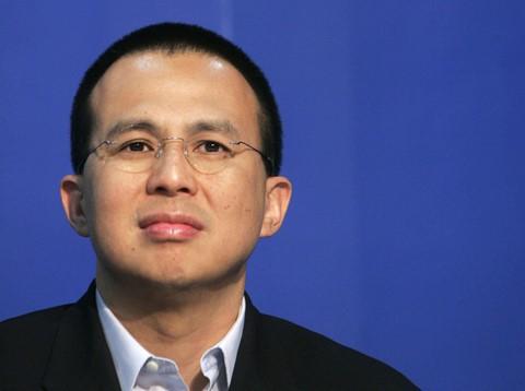 Con trai ông vua không ngai Hong Kong dựng đế chế tỷ USD ra sao? - Ảnh 1.