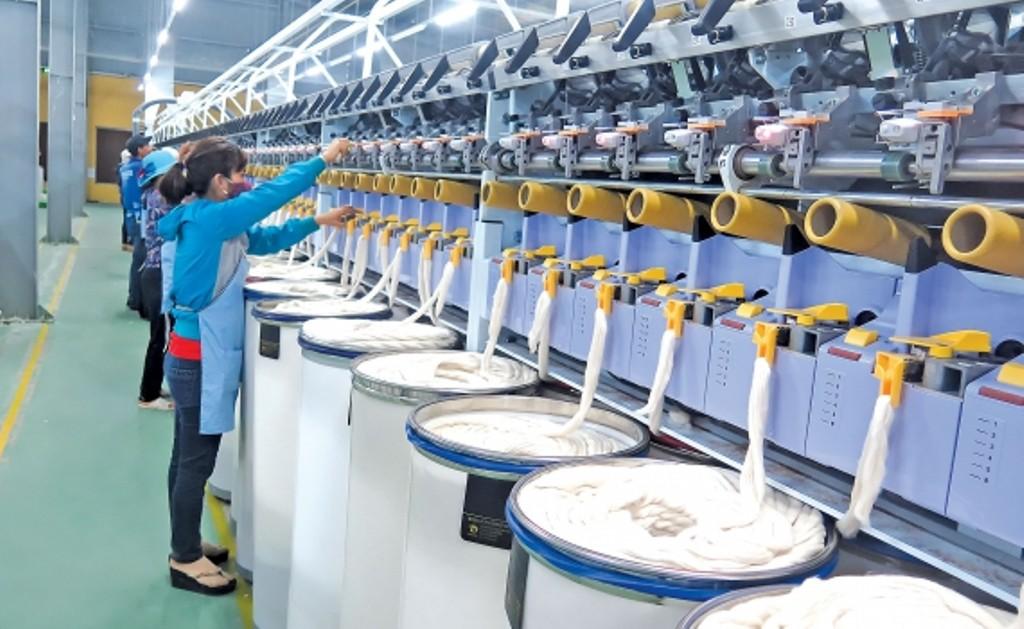 Dệt may, da giày tăng trưởng mạnh 4 tháng đầu năm, đơn hàng dày đặc đến hết quí II - Ảnh 1.