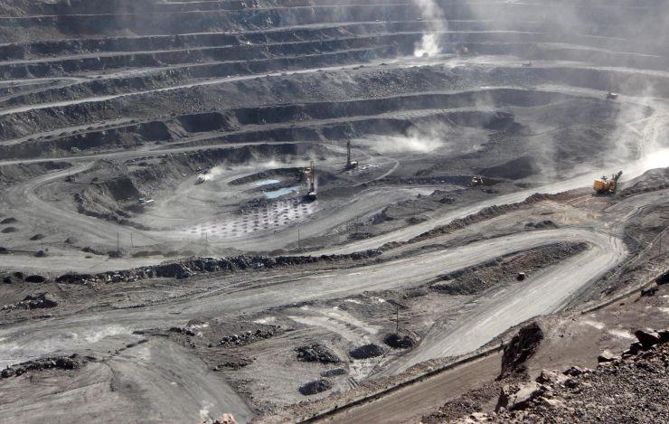Xuất khẩu đất hiếm của Trung Quốc giảm mạnh trong tháng 5 - Ảnh 1.
