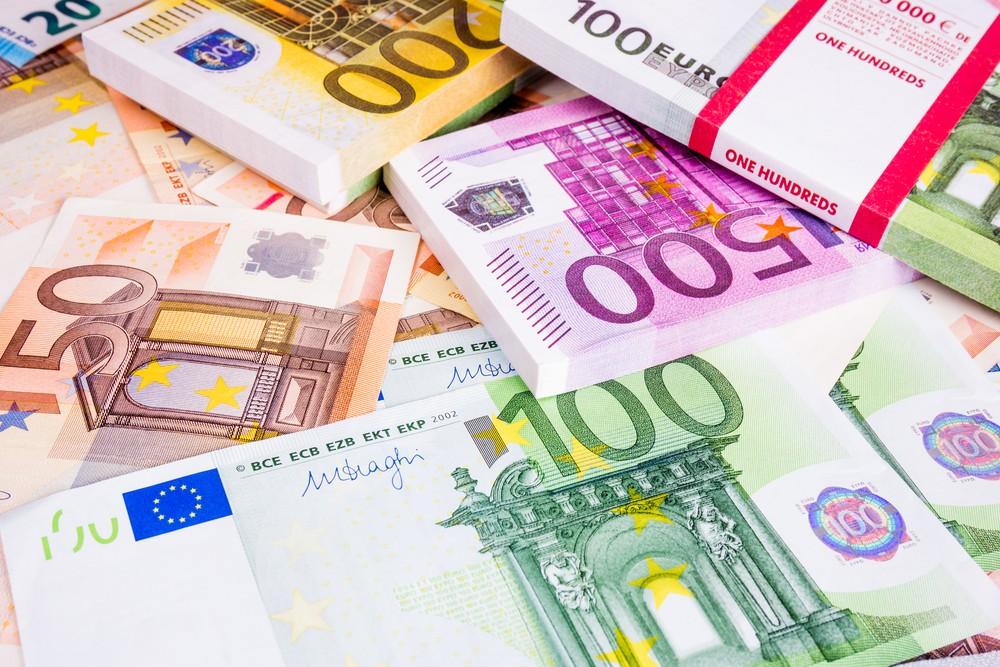 Tỷ giá Euro hôm nay (10/6): Tỷ giá tại Vietcombank vọt lên 27.056 VND - Ảnh 1.