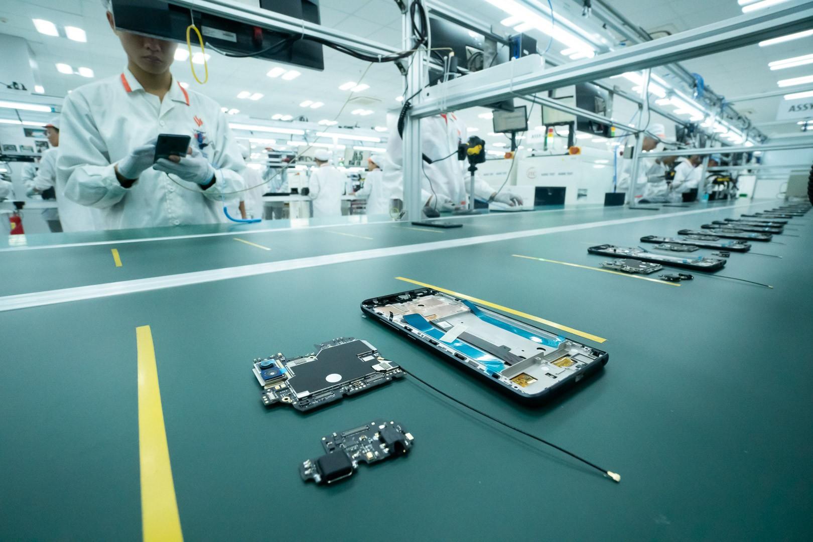 VinSmart động thổ nhà máy sản xuất điện thoại công suất 125 triệu chiếc/năm tại Hòa Lạc - Ảnh 1.