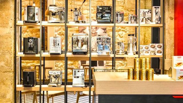 Cạnh tranh với Starbucks, hãng cà phê organic của Pháp nhắm đến Việt Nam - Ảnh 1.