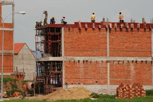 Vật liệu xây dựng tăng giá chóng mặt - Ảnh 1.