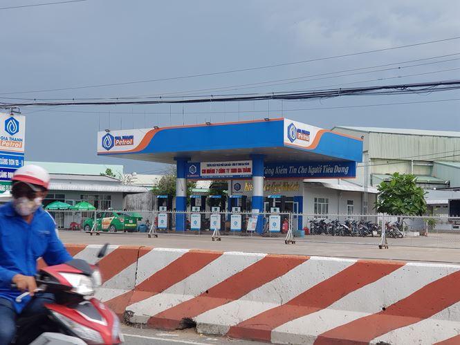 Hàng loạt cửa hàng xăng dầu của đại gia Trịnh Sướng đóng cửa - Ảnh 1.