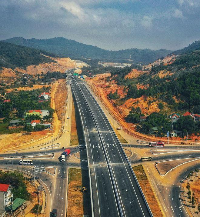 Bất động sản Hải Phòng, Quảng Ninh tạo sóng theo hạ tầng - Ảnh 2.