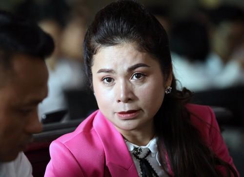 Bà Lê Hoàng Diệp Thảo tố cáo chấp hành viên, khẳng định không còn giữ chứng nhận đăng kí doanh nghiệp và con dấu của Trung Nguyên - Ảnh 1.