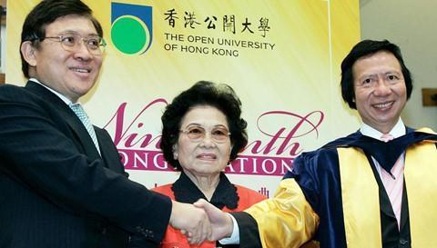 Mất chồng con, nữ tỷ phú 90 tuổi vẫn xưng bá thương trường Hong Kong - Ảnh 2.