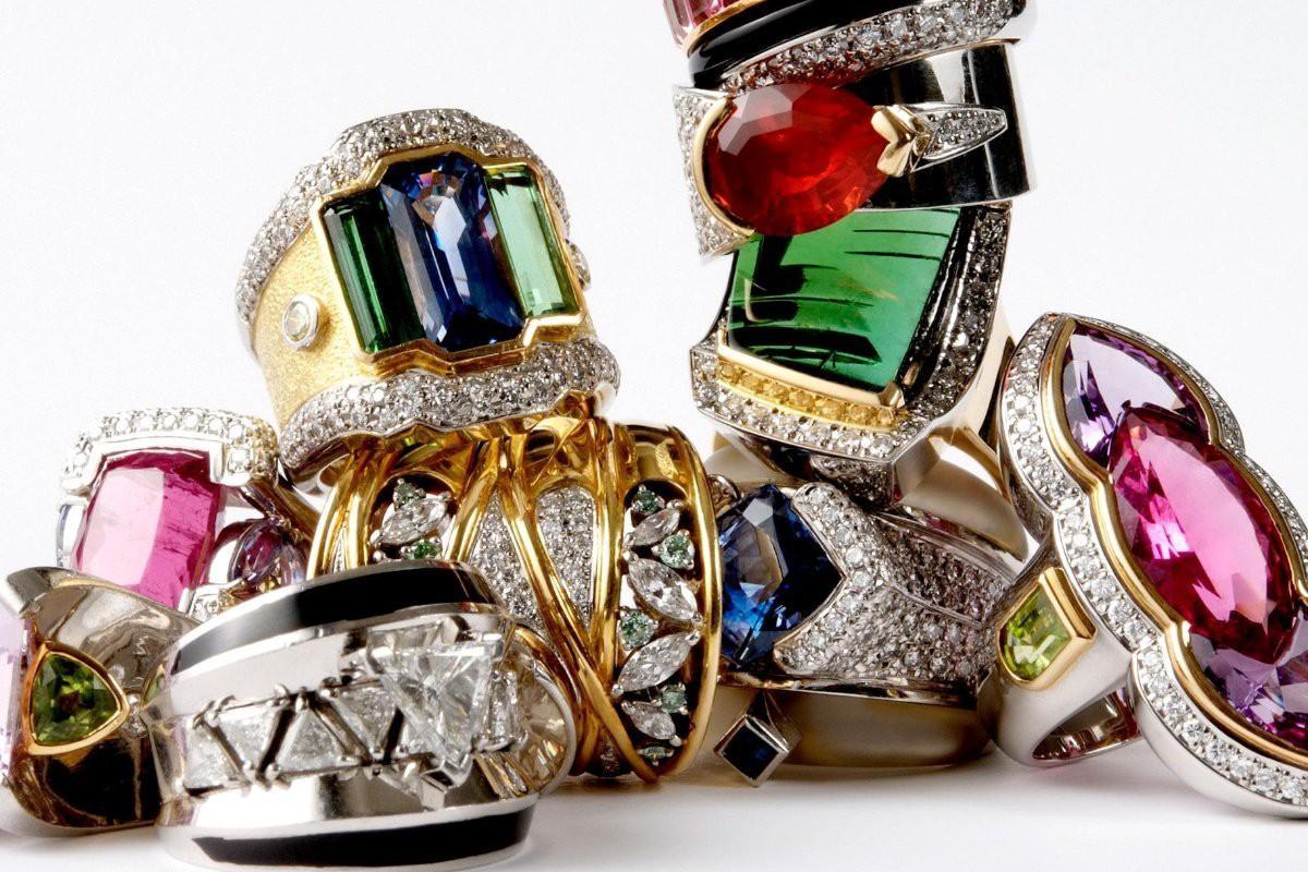 Hàng triệu đồ trang sức bị vứt xó trong các ngôi nhà: Mỏ vàng nghìn tỉ USD để một anh chàng khai thác - Ảnh 2.