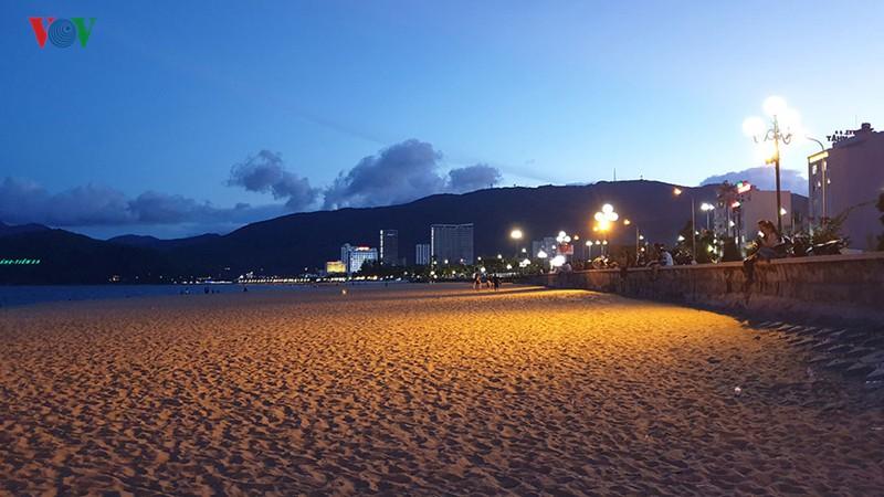 Bình Định di dời 3 khách sạn lớn, trả lại bờ biển cho dân - Ảnh 3.  Bình Định di dời 3 khách sạn lớn, trả lại bờ biển cho dân photo 3 1560090655338225227193