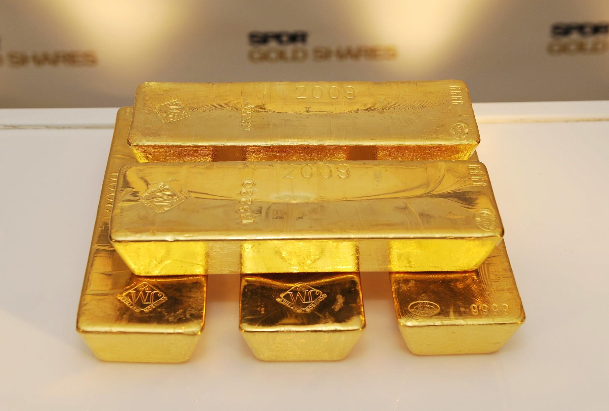 Dự báo giá vàng tuần tới: Tiếp tục đà đi lên sau khi đạt mức tăng hàng tuần lớn nhất kể từ năm 2008  - Ảnh 1.
