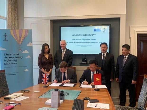 Việt Nam thu hút dòng vốn FII tại trung tâm tài chính quốc tế - Ảnh 2.