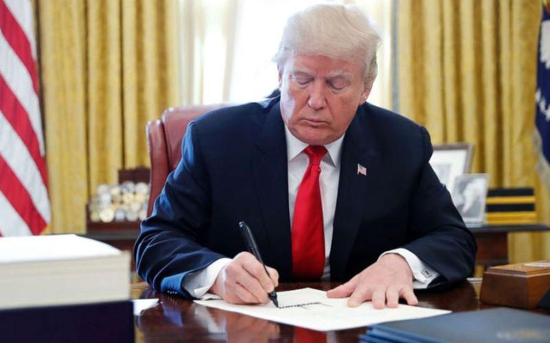 Tổng thống Trump ký sắc lệnh thúc đẩy sản xuất hàng hóa trong nước - Ảnh 1.
