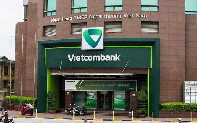 Cổ phiếu liên tục phá đỉnh, Phó Tổng Giám đốc Vietcombank đăng kí bán cổ phiếu - Ảnh 1.