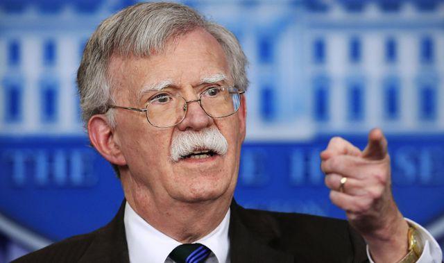 Bị Mỹ chỉ trích mạnh mẽ ở Biển Đông, Trung Quốc lớn tiếng phản hồi - Ảnh 1.