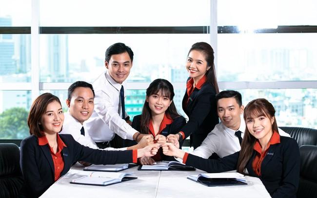 Lạc quan về hoạt động kinh doanh, 22% ngân hàng muốn tuyển thêm nhân sự - Ảnh 1.