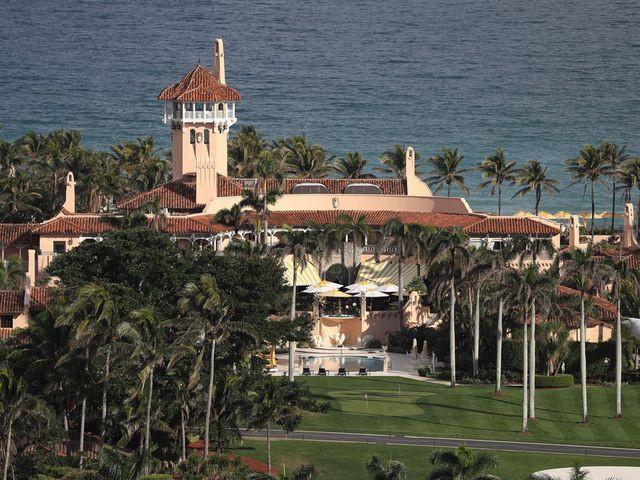 Bên trong siêu biệt thự vừa bán 110 triệu USD, phá vỡ kỷ lục BĐS mà Trump lập năm 2008 - Ảnh 3.